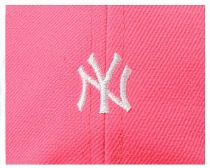 ニューエラ 9THIRTY(フロント芯を取り除きいたカジュアルタイプ) クロスストラップ ネオン ニューヨーク・ヤンキース キャップ メンズ NE
