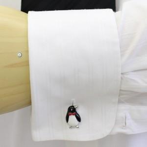蝶ネクタイもキュートなおすましペンギン・シルバーのカフス(カフリンクス/カフスボタン)