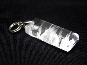 【ペンダントトップ】水晶龍手彫り(深彫り)ペンダントトップ 天然石 パワーストーン