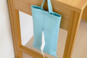 上質な日本製 掛けられるティッシュケース「KETY」【おしゃれ ティッシュカバー ティッシュボックスケース ボックス 名入れ可 レザー 壁