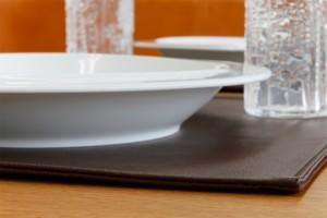 上質な日本製 ランチョンマット「LEKKU square」コンパクトなテーブルに最適【ランチョンマット ランチマット 正方形 カフェマット モダ