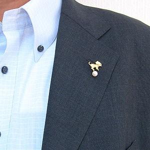 ラペルピン メンズ 男性用 真珠 パール ブローチ あこや本真珠 K18 ゴールド ピンブローチ タイニーピン 4mm 0.01ct ドッグ 犬