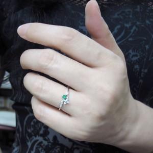 【送料無料】プラチナ エメラルド 指輪 メモリアルリング 結婚記念日