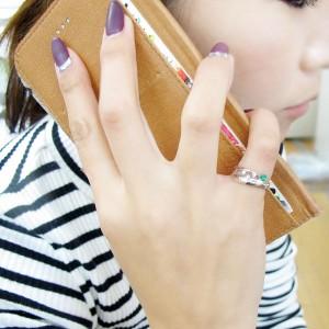 【送料無料】エメラルド 指輪 アンティーク調 唐草 ピンキーリング 10金