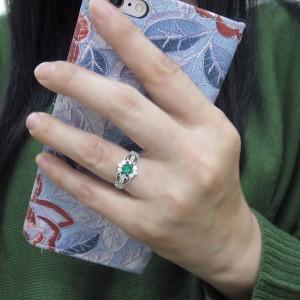 【送料無料】プラチナ エメラルド 指輪 アンティーク調 ミル打ち リング