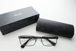 ■新品■プラダ 50SV-7CQ101 ビジネス チタン スクエア 軽量  めがね 男女兼用 シンプル 伊達眼鏡 ロゴ