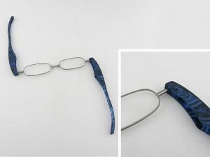■新品■ ポッドリーダー AJ-1010-GR 老眼鏡 Podreader 度数 +2.00 携帯用 柄もの 携帯 べんり 緊急用 ポケット 収納