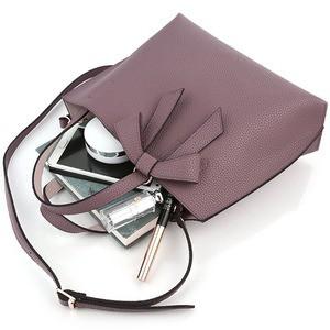柔らか素材のリボンチャーム2WayバッグM/ライトグレイ