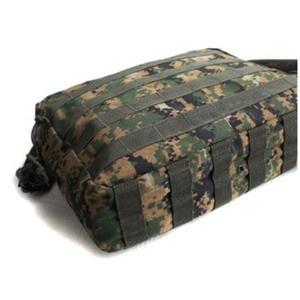 アメリカ軍 2WAYショルダーバッグ/鞄【モール/A4対応】 ナイロンキャンバス地 防水加工 BS076YN ウッドランド【レプリカ】