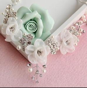 【即納】手作りウェディングアクセサリー、結婚式・挙式・二次会・花嫁ハンドメイドブライダルアクセサリー  ブライズメイド