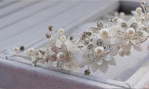 【即納】手作りウェディングアクセサリー、結婚式・挙式・二次会・花嫁ハンドメイドブライダルアクセサリーウエディングヘッドドレス・ヘ
