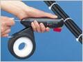 軽く、持ち運びの出来る小型結束機「しめしめ45」