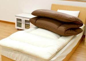 【色柄おまかせ】【送料無料】日本製 厚み約9.5cm 清潔合繊固綿入り敷き布団 シングルロング 約100×210cm