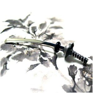 突き刺さる日本刀シルバーボディーピアス 【無 -mu-】 メンズアクセサリー ボディピアス 和風 ハード 【ブランド仁-ZIN-】 シルバー925