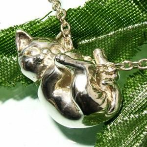 送料無料 ぶらさがり猫シルバーネックレス /レディース シルバーペンダント シルバーアクセサリー シルバー925 ネコグッズ キャット 女性