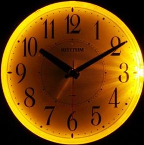 リズム時計工業 RHYTHM 目覚まし時計 フェイス28 8REA28SR05 スヌーズ ライト付き 緑メタリック 白 アナログ