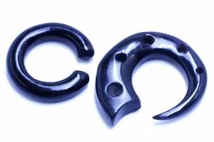 クロウリングホーン(1個販売/片耳用)/6G (6ゲージ  ボディピアス 水牛の角や骨 金属アレルギー対応 メンズ レディース インディアンジ
