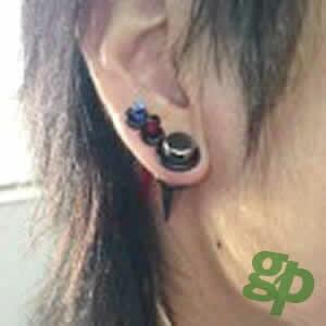 ゆーにゃんさんの耳のボディピアス写真★インサーションピン(拡張器)/00ゲージ(GG)(M)