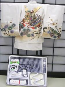 七五三レンタル★七歳男の子袴セット★白地に兜柄noT