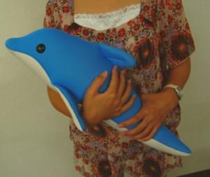 バンドイルカの抱き枕「水夢くん」50cm パウダーブルー
