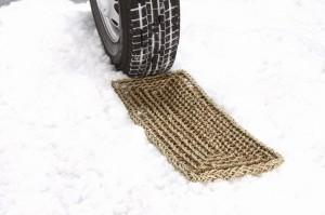 雪害対策 タイヤチェーン スタック 緊急脱出 救出ボード 頑丈 コンパクト 折りたたみ 省スペース 滑り止め 脱出マット(2枚組)(代引不可)