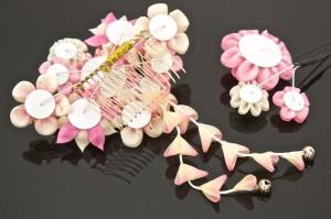 正絹を贅沢に使用したつまみかんざし/簪/髪飾り/成人式/振袖/ピンク/ラインストーン/髪留め