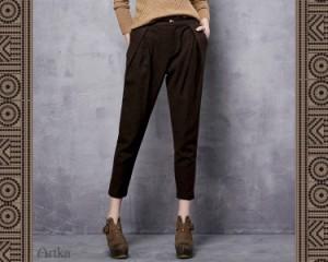オリジナルデザイン ナチュラル カーキ ブラウン ウール混 ポケット付き 八分丈 サブリナパンツ アンクルパンツ ジョガーパンツ