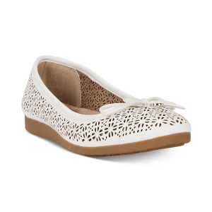 ジャニ ベルニーニ レディース サンダル シューズ Odeysa Memory Foam Perforated Ballet Flats, Created for Macy's White