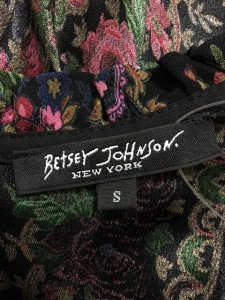 ベッツィージョンソン BETSEY JOHNSON ワンピース サイズS レディース 美品 黒×ピンク×マルチ 花柄/フリル【中古】