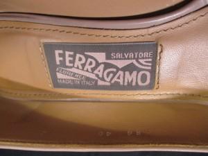 サルバトーレフェラガモ SalvatoreFerragamo パンプス 7 D レディース - ベージュ レザー【中古】