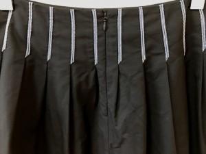 ロイスクレヨン Lois CRAYON スカート サイズM レディース 美品 黒×白 プリーツ/刺繍【中古】