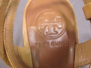 トリーバーチ TORY BURCH サンダル 7 1/2 レディース ベージュ エナメル(レザー)【中古】