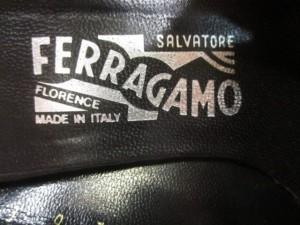 サルバトーレフェラガモ SalvatoreFerragamo ミュール 6 C レディース ガンチーニ 黒×シルバー レザー×金属素材【中古】