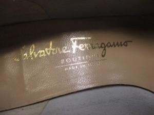 サルバトーレフェラガモ SalvatoreFerragamo パンプス 7 1/2 C レディース ヴァラ 白 レザー【中古】