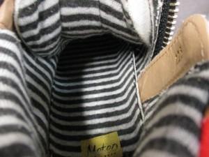 メテオ meteo スニーカー 225 レディース 白×黒×マルチ キャンバス【中古】