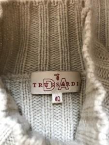 トラサルディー TRUSSARDI 半袖セーター レディース 新品同様 ベージュ ハイネック【中古】