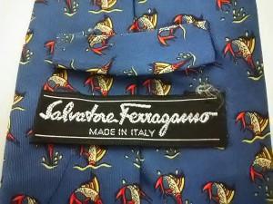 サルバトーレフェラガモ SalvatoreFerragamo ネクタイ メンズ 美品 ブルー×レッド×マルチ 魚【中古】
