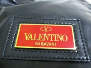 バレンチノガラバーニ VALENTINOGARAVANI ハンドバッグ 黒 赤タグ/リボン エナメル(レザー)【中古】