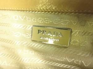 プラダ PRADA ショルダーバッグ レディース - ライトブラウン×マルチ 型押し加工 レザー×化学繊維【中古】