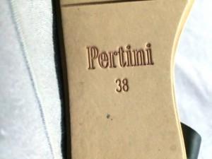 ペルティニ Pertini サンダル 38 レディース 黒×ゴールド×シルバー レザー【中古】