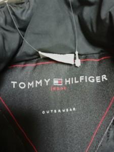トミーヒルフィガー TOMMY HILFIGER ダウンジャケット レディース 黒 冬物【中古】