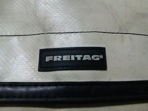 フライターグ FREITAG ウエストポーチ レディース アイボリー×黒 PVC(塩化ビニール)【中古】