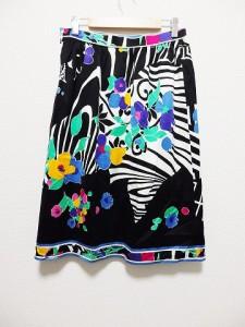 レオナール LEONARD スカート サイズウエスト69 レディース 黒×白×マルチ 花柄【中古】