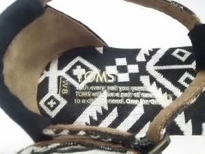 トムス TOMS サンダル W8 レディース 新品同様 ブラック×ホワイト キャンバス【中古】