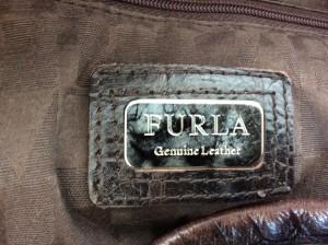 フルラ FURLA ハンドバッグ レディース ダークブラウン 型押し加工 レザー【中古】