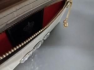7e037031c001 アクセソワ Accessoires 長財布 レディース アイボリー×グレー 型押し加工/スワロフスキークリスタル レザー【. 画像1