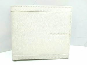 06792f2fae43 ブルガリ BVLGARI 2つ折り財布 レディース 新品同様 - 白 エナメル(レザー)×レザー