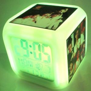 神話(SHINHWAシナ) カラーチェンジ・デジタル時計