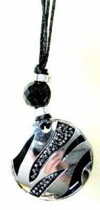 東方神起Xiahスタイル「ブラック & ホワイト・ラウンドネックレス」