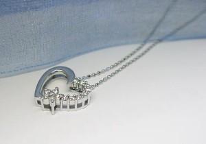 0.15ctダイヤモンドハート★K18WGダイヤモンドネックレス